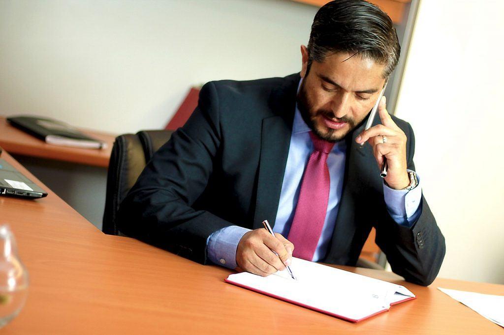 Pourquoi a-t-on besoin d'un avocat d'affaires dans une entreprise ?